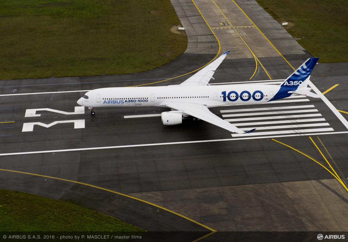 A350-1000 First Flight push back and take off-046