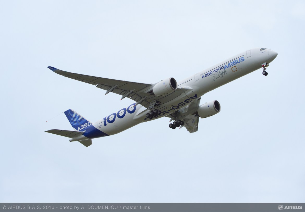A350-1000 First Flight take off-005R